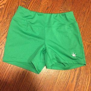 Boast Women's Green Shorts (Size: Small)